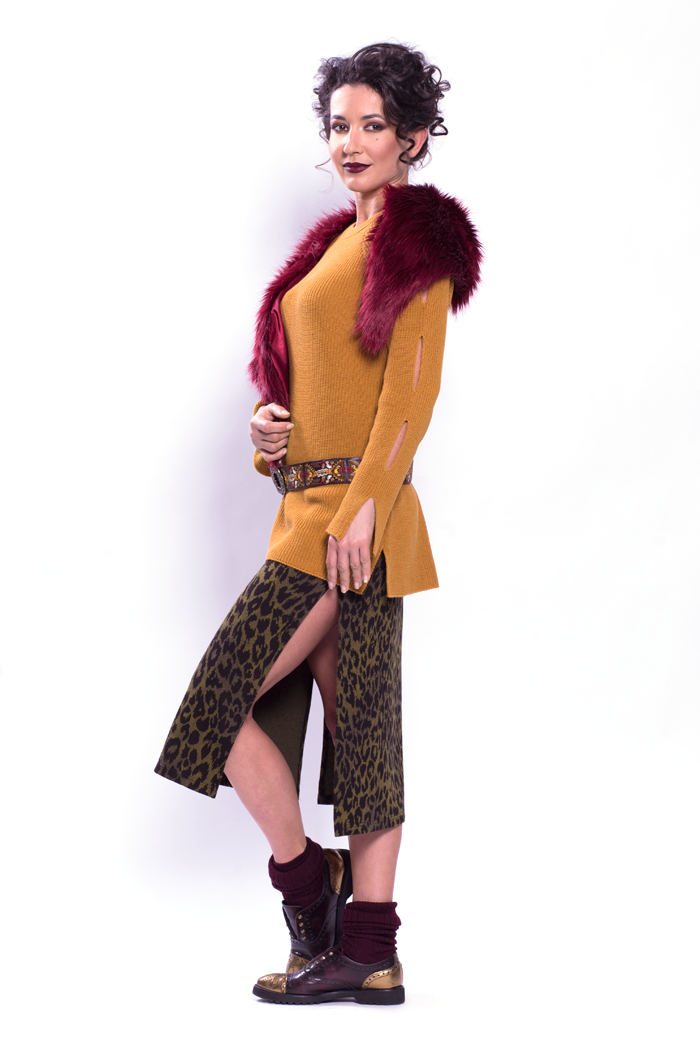 Fancy Sleeve Ribbed Sweater and Leopard Jacquard Long Skirt